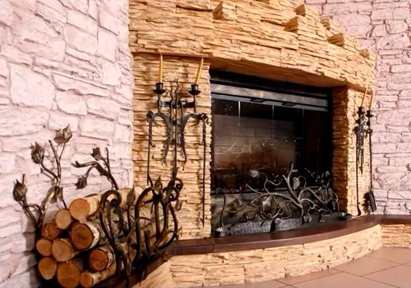 Как построить камин из декоративного камня