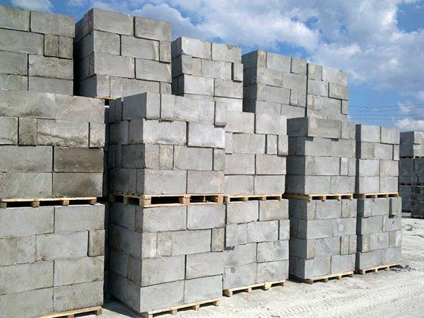Все плюсы монолитного пенобетона как материала для постройки частного дома