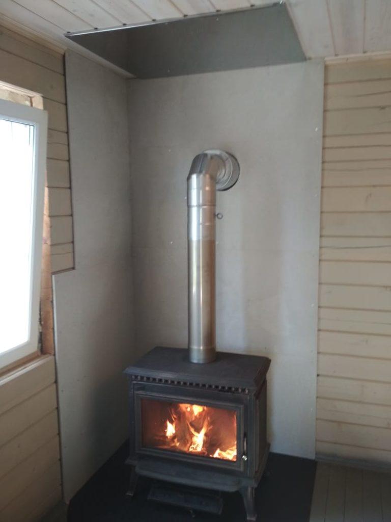Печь-камин Richard с дымоходом и термоизоляцией Минерит (Поварово СНТ Лес)